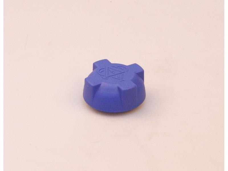 Крышка рсширительного бачка пластиковая АТ 1065-001CR